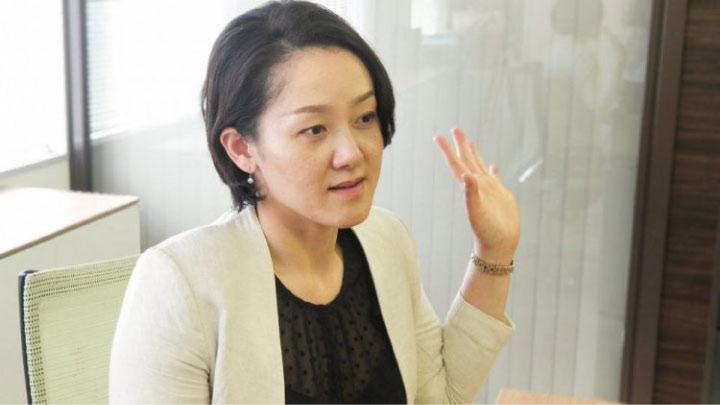 インタビューを受けるICTセミナー講師吉田なぎさ