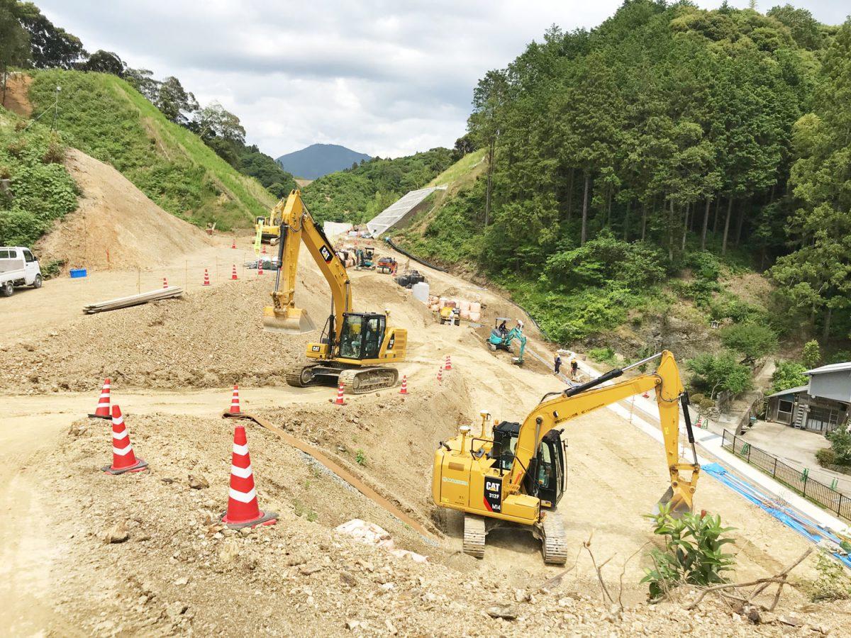 ICT建機で施工する工事現場の画像